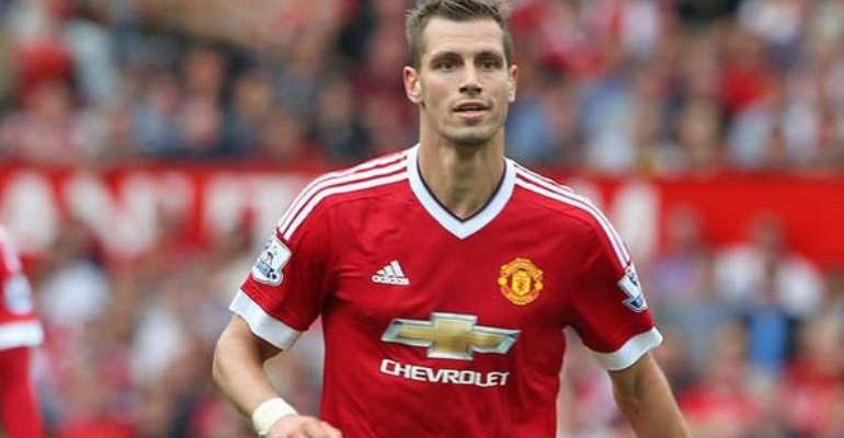 Everton sign Morgan Schneiderlin in £24m deal