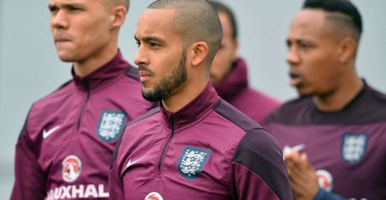 Everton In Negotiations To Sign Theo Walcott