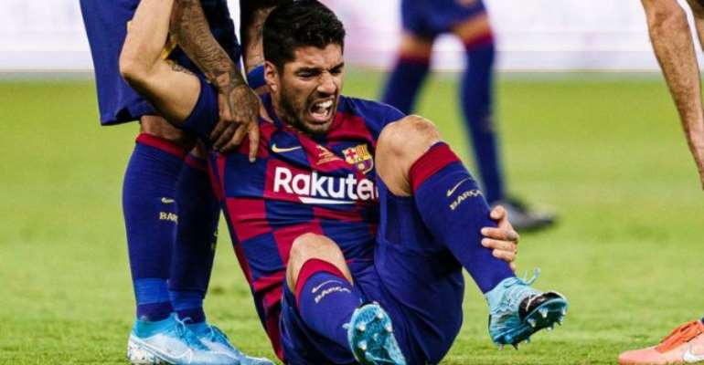 Suarez Out For Four Months After Knee Surgery