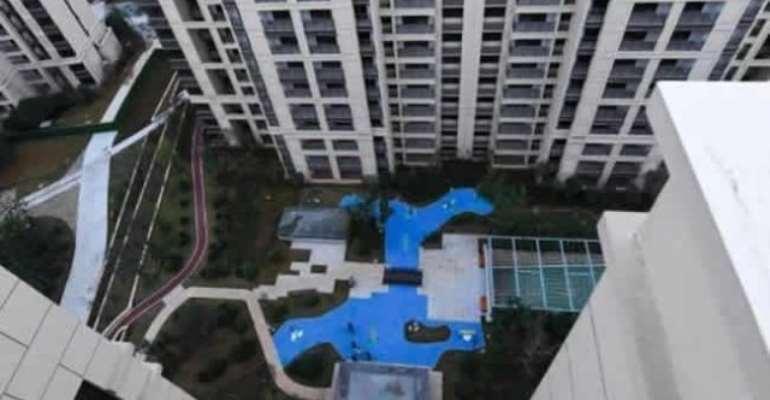 Property developer promises homebuyers 'park views', delivers 'plastic lake' instead