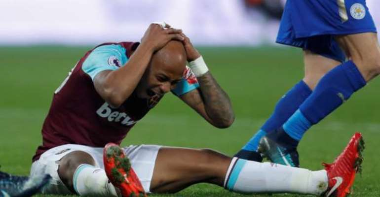 Andre Ayew's Stoppage Time Overhead Kick Misses Narrowly As Leicester City Hold West Ham
