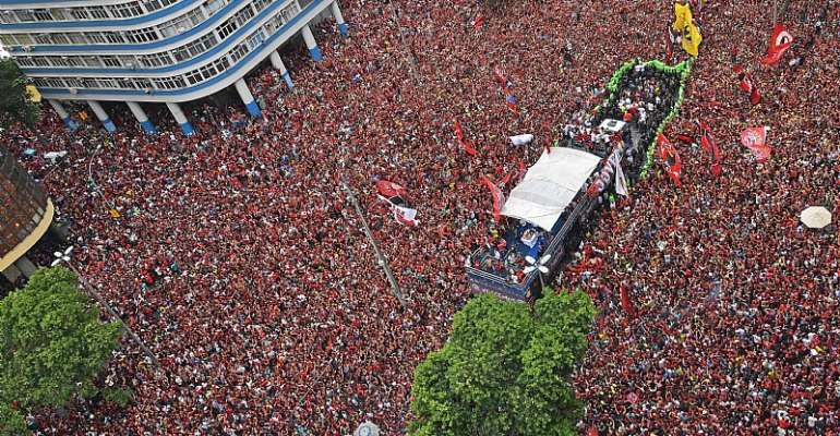 Fans Flood Streets Of Rio As Flamengo Win Copa Libertadores Against River Plater [PHOTOS]