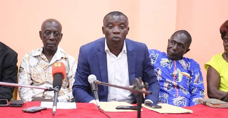 Thomas Akwasi Aboagye (middle) with other executive members
