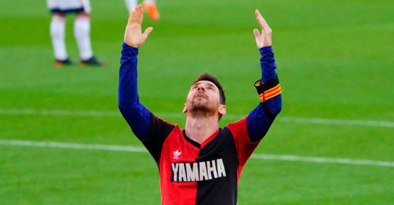 Messi, Barcelona remember Maradona in winning style