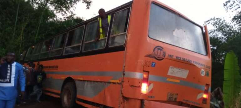 E/R: One dead, 22 injured as Metro Mass bus involved in accident