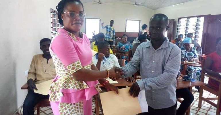 Obuasi East: 80 Tertiary Students Get Gov't Scholarship
