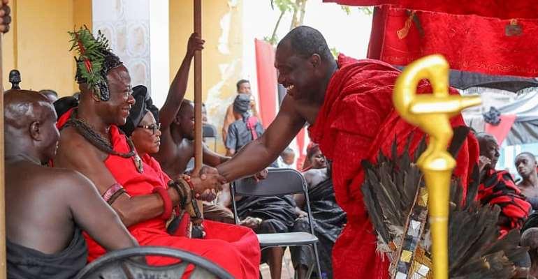 Ahomka-Lindsay Commiserate With Kumawuman