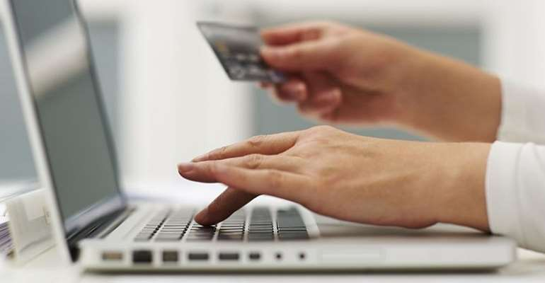 How to Save Money on Online Shopping This New Year