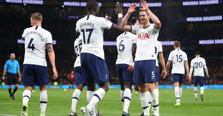 Spurs Reach FA Cup Fourth Round, Newcastle Cruise
