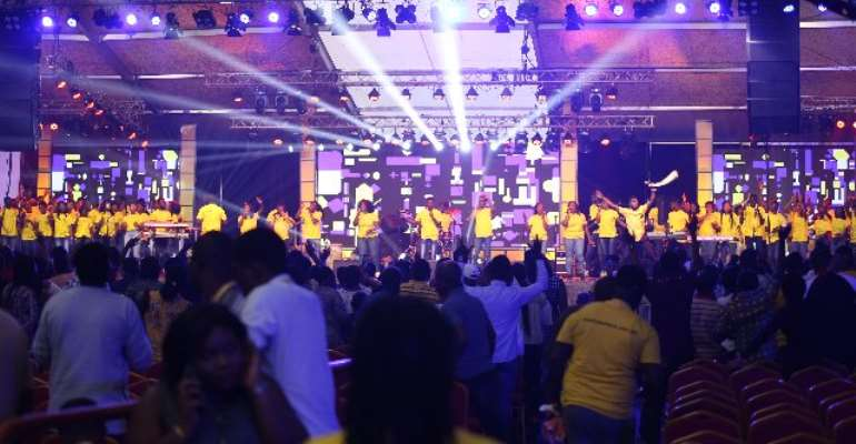 Diana Hamilton, Kwesi Oteng, Joe Mettle Wow Patrons At 'MTN Stand In Worship'