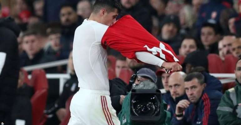 Granit Xhaka: Arsenal Midfielder Stripped Of Captaincy, Says Unai Emery