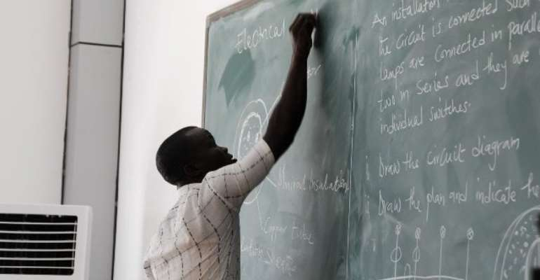 Teachers Reject GHc200 License Fees