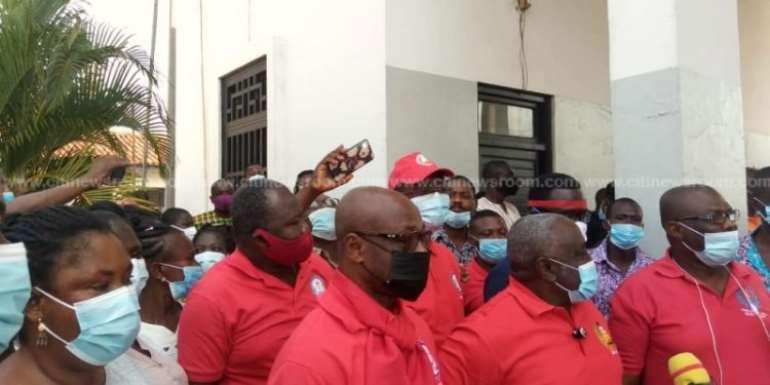 TEWU suspends strike