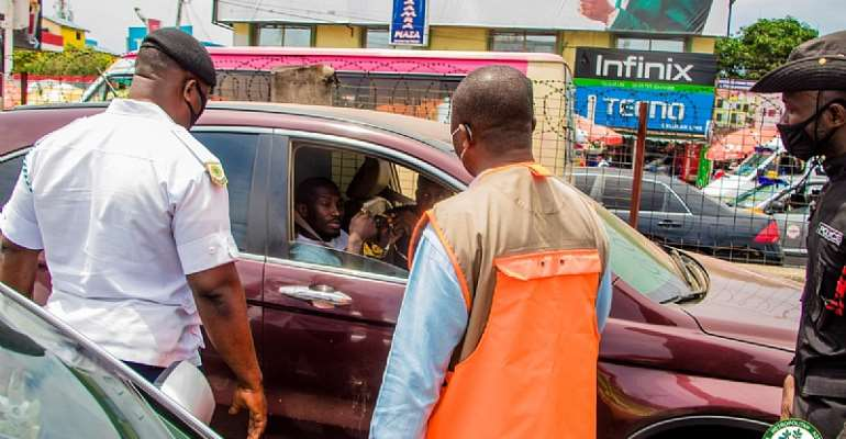 Tema: 105 persons arrested for not wearing nose masks
