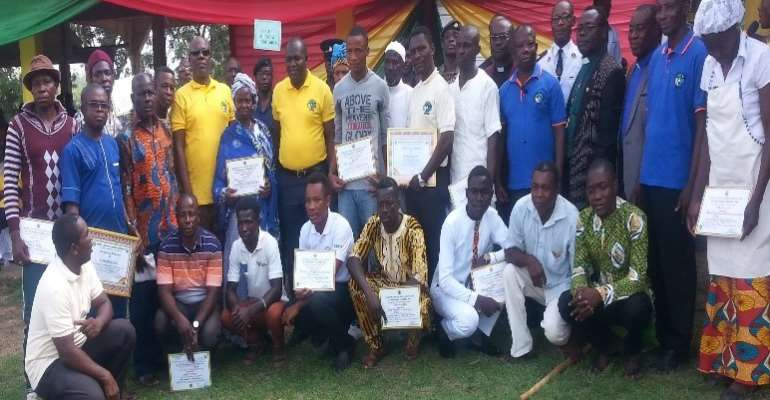 Awardees franked with DCE and MP