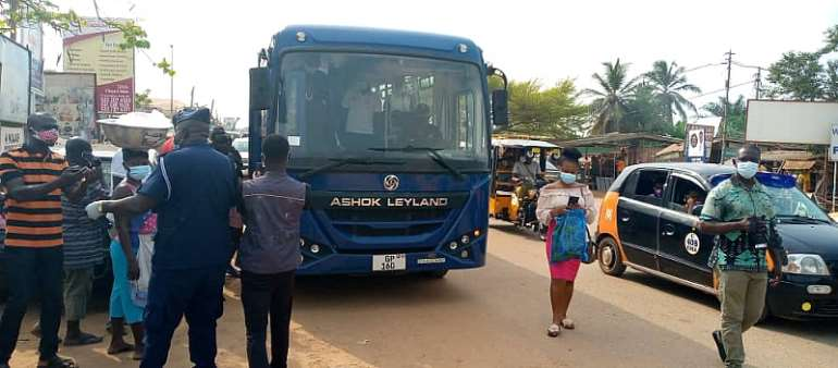 Police arrest 100 persons for not wearing nose masks in Cape Coast
