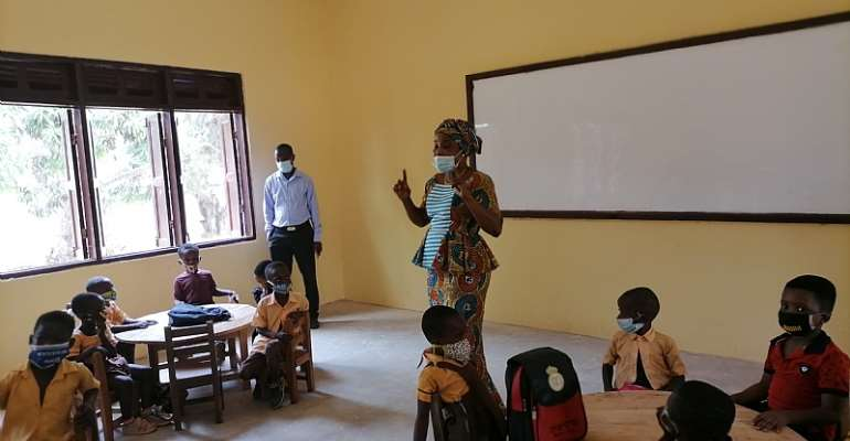 My First Day At School: Obuasi East DCE lauds teachers and pupils for observing COVID protocols