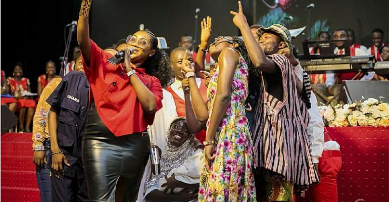 Joy Prime And Salm Excites Thousands At A Beautiful Christmas Concert