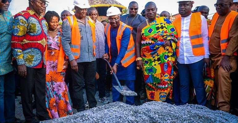 Bawumia Cuts Sod For 100-kilometer Kumasi Inner City Roads