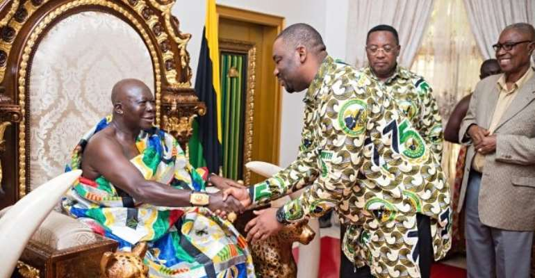 Abdul Moomin Gbana pays courtesy call on Otumfuo Osei Tutu II