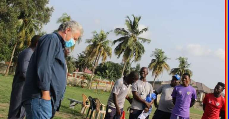 Kosta Papic with some Hearts of Oak technical team members