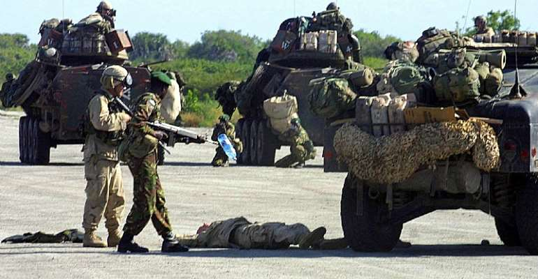 Kenyan military troops and US marines carry out a joint military exercise in Manda Bay near the coastal town of Lamu. - Source: EPA/Simon Maina