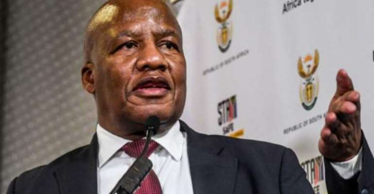 Top South African minister dies of Covid-related complication