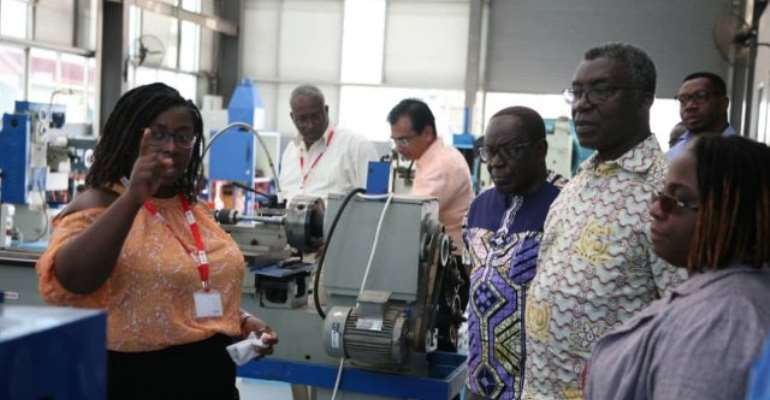 Prof Frimpong-Boateng visits new STEAM lab of Academic City University College