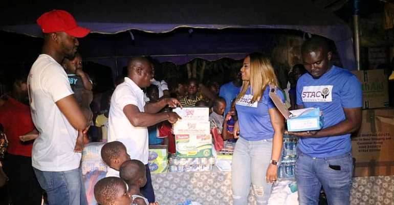 Stacy Amewoyi Donates To Royal Seed Home