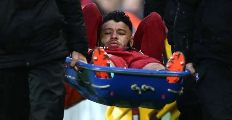 Oxlade-Chamberlain: Liverpool Midfielder Has Ankle Ligament Damage