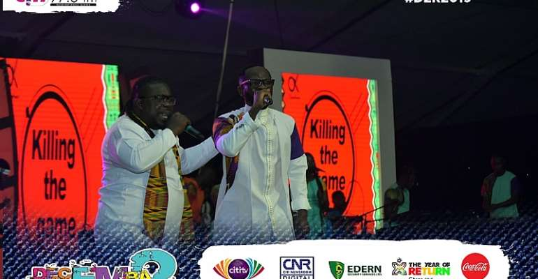 Okyeame Kwame performs with Obour at Citi FM's #D2R2019