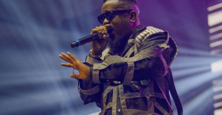 Sarkodie Ended 2019 Rapperholic With A Performance Of 'Ofeeets)' With Buk Bak