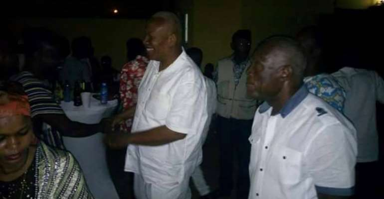 Prof Alabi holds Christmas party for his teeming supporters