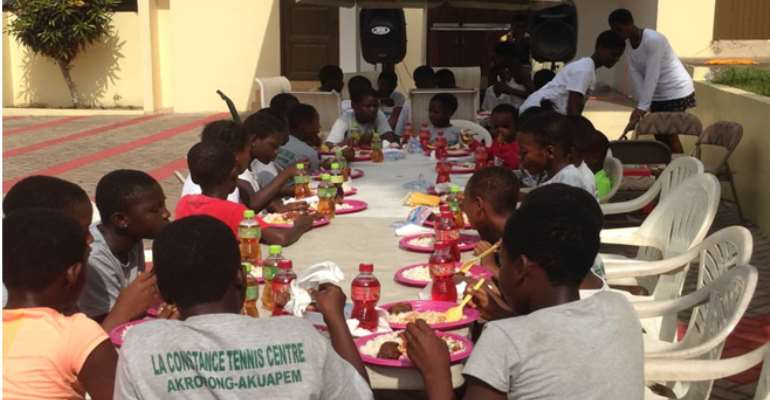 La Constance Tennis Center Organises Christmas Party For Its Kids