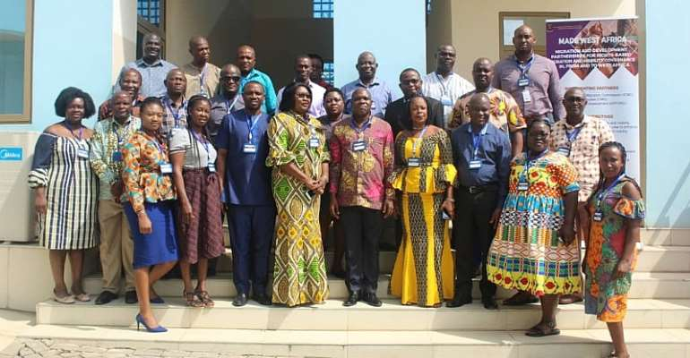 Participants of the workshop in a group photo after the opening ceremony