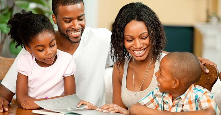 Family Reading: a means to develop and hone the creative ability of children