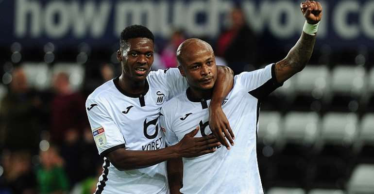Andre Ayew with Swansea City teammate