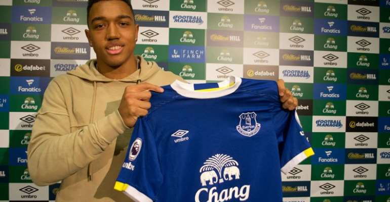 English side Everton sign Ghanaian striker Anton Donkor
