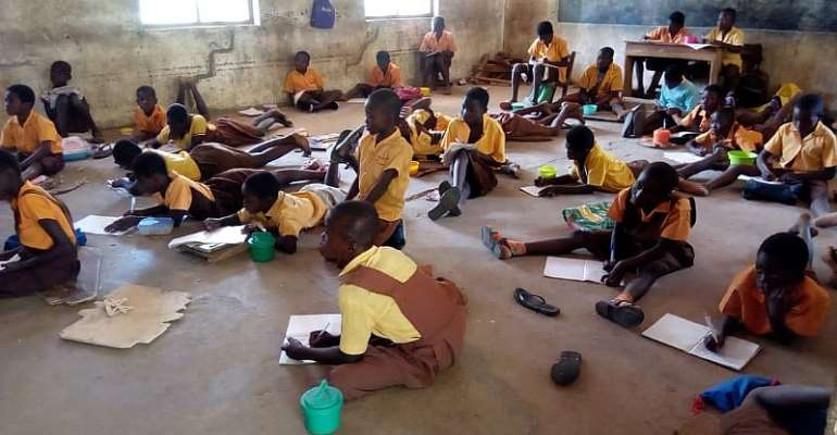 Students have to sit on the floor to write, some to squat and other woefully endure this unbearable situation. This might not be different from other places in some rural areas