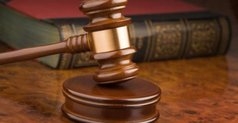 Trader faces Court for robbery and spraying pepper into victim's eyes