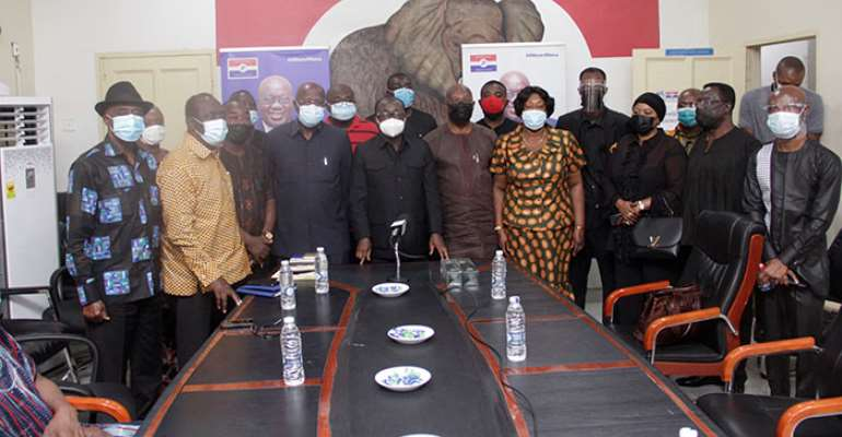 Family of the late Dr. Kwame Amoako Tuffuor in a group photograph with the leadership of ther NPP
