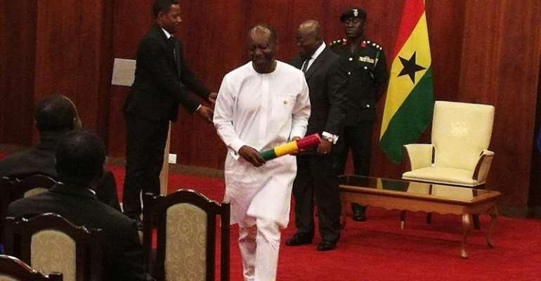 Nana Addo swears in 12 ministers