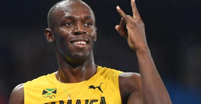 'Unhappy' Usain Bolt hands relay gold back to Olympic chiefs