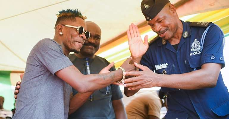 Shatta Wale Presents Ghc150,000 Worth Of Items To Farmers
