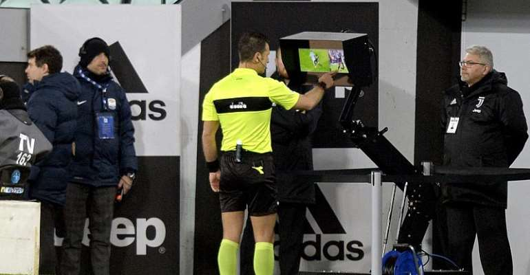 VAR Takes 10 Minutes Over Red Card