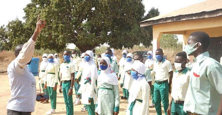 Pupils of Darul-Hardis JHS lauds Savana Signatures for helpingthem fightCOVID