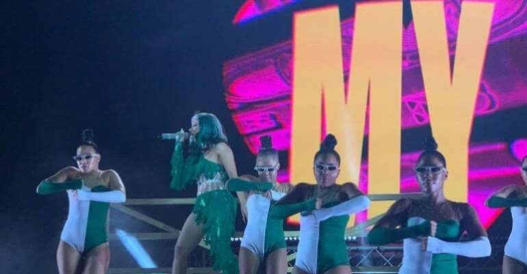 [Video] Cardi B Rocked Nigerians In A Green And White Outfit