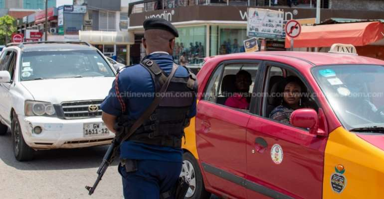 Police to start random vehicle checks to enforce face mask directive