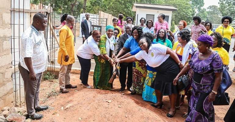 ¢145,000 Zongo Dev't Fund Used To Construct Accra Girls Main Gate