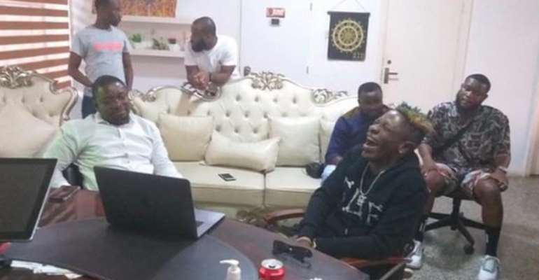 [Photo] Shatta Wale Chops Legon Cities F/C's ¢400k Just To Promote Their Match Against Kotoko